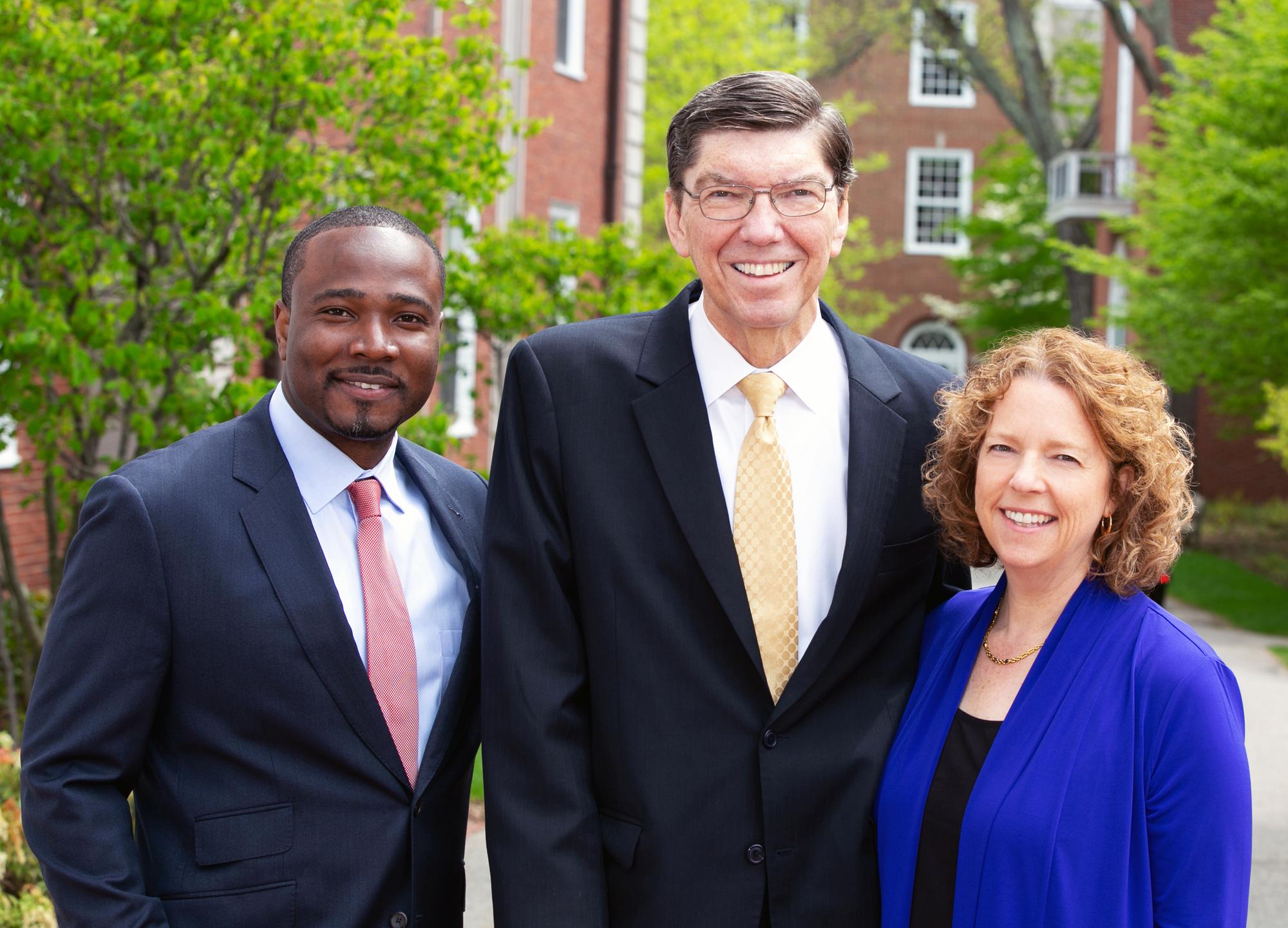 Efosa Ojomo, Clayton M. Christensen und Karen Dillon